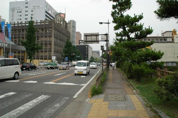 和歌山城の外周を歩こう  4_b0093754_1221924.jpg