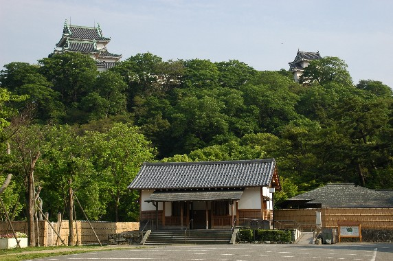 和歌山城の外周を歩こう  4_b0093754_1224843.jpg