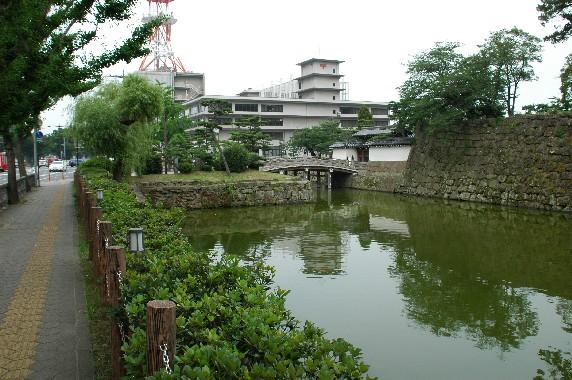 和歌山城の外周を歩こう  4_b0093754_1235013.jpg