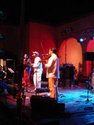 小さな村でキューバ音楽_f0106597_4433983.jpg