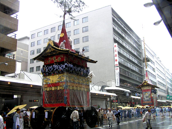 祇園祭 山鉾巡行1_e0048413_16385876.jpg
