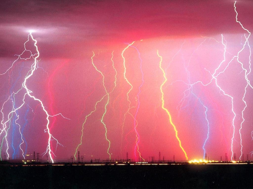 カラフルな雷
