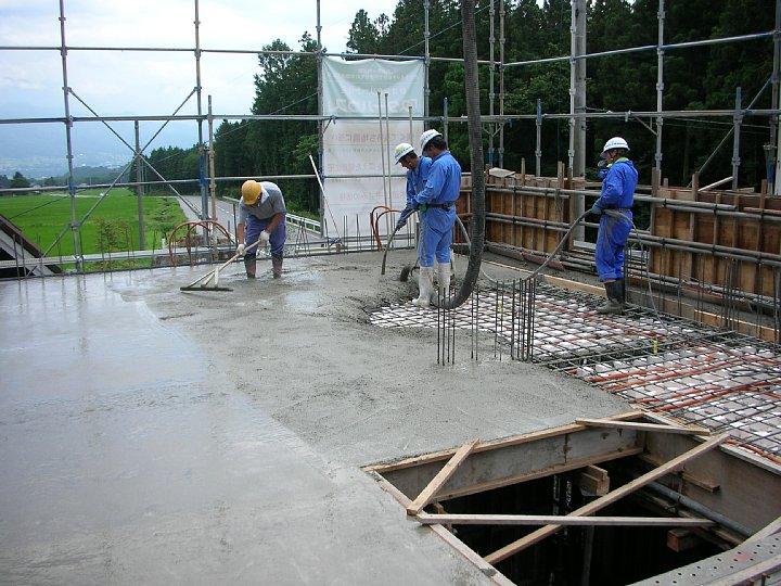 1F躯体コンクリート打設が終わりました_b0100031_14292021.jpg
