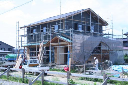 八郎潟の家09:外壁の漆喰下地モルタル塗り_e0054299_15311413.jpg