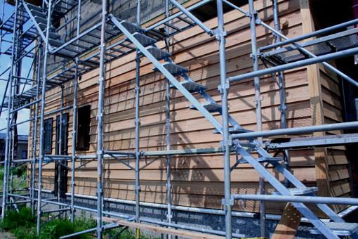 八郎潟の家09:外壁の漆喰下地モルタル塗り_e0054299_1535977.jpg
