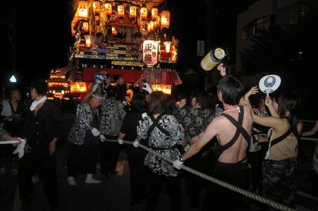 絢爛!燈籠山祭り(2)曳山巡行_d0043136_20104242.jpg