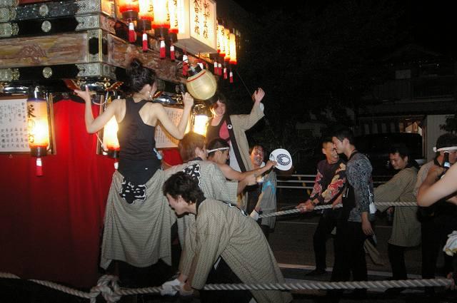 絢爛!燈籠山祭り(2)曳山巡行_d0043136_2013284.jpg