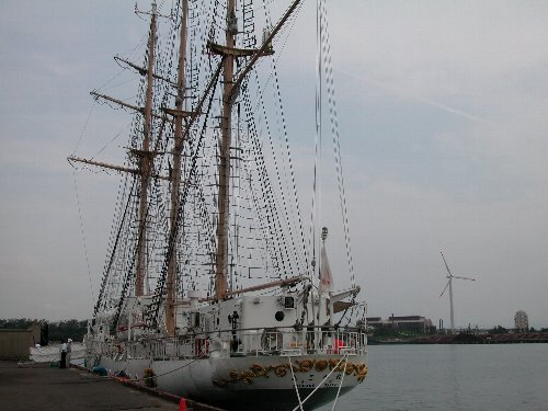 大阪市帆船「あこがれ」_e0087201_2323311.jpg