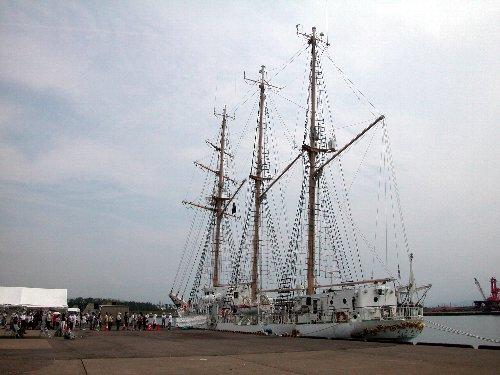 大阪市帆船「あこがれ」_e0087201_2334713.jpg