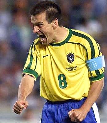 ブラジル代表監督にドゥンガ氏=94年W杯優勝、磐田でも活躍_e0039513_1753175.jpg