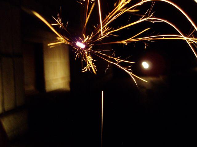 線香花火、一瞬で美しい。_d0077719_12554211.jpg