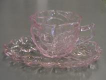 お拾いものたちに囲まれて  色ガラスカップセット_d0000995_21153261.jpg
