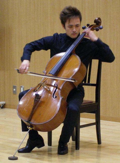 オープンキャンパスと無伴奏チェロ組曲_c0025115_2149368.jpg
