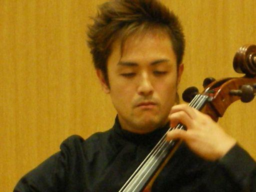 オープンキャンパスと無伴奏チェロ組曲_c0025115_21495947.jpg
