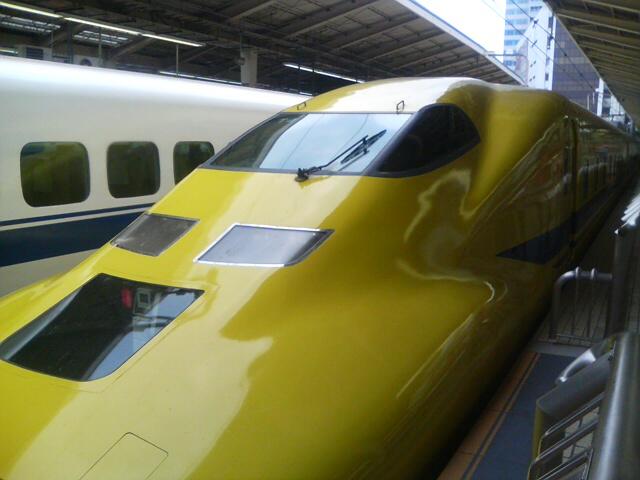 黄色い新幹線_f0015348_09479.jpg