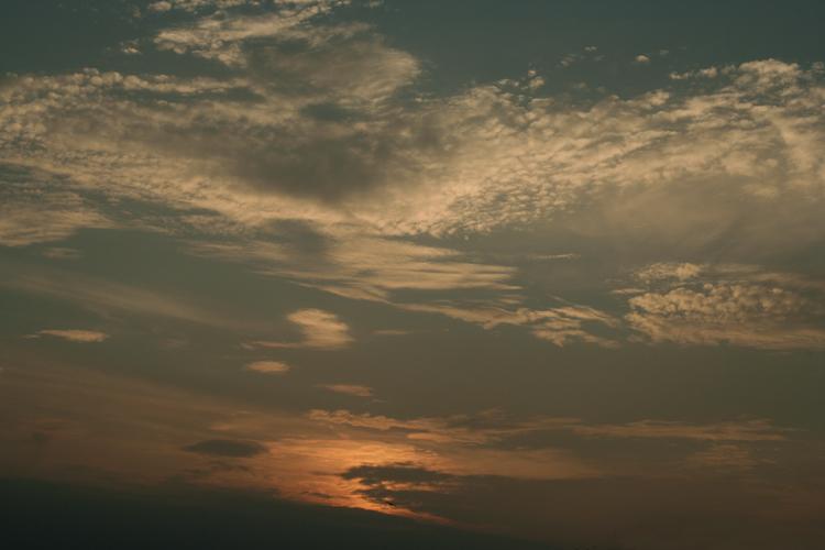 七里ヶ浜の夕景・7月31日篇。空と海。_b0022268_20432982.jpg