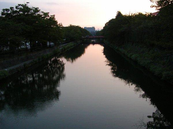 疎水の夕暮れ_c0057390_22464929.jpg