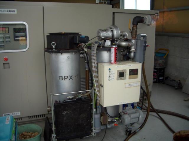 最新の木質バイオマス発電装置で、ビンテージ発動機を動かす!?_d0079522_12375026.jpg