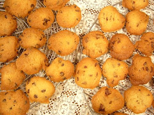 今日のおやつはCHOCOLATE CHIP COOKIES。。。.゚。*・。♡ _a0053662_1524098.jpg