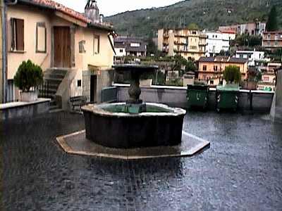古い山岳都市ポリ(イタリア)_b0015157_194191.jpg
