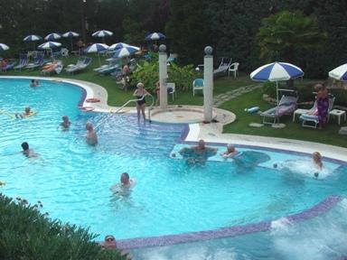 ヴェネト州の温泉地アバノテルメのスパ・ホテル_a0077294_14494069.jpg