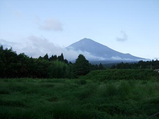 なかなか見れない赤富士_b0089338_2215177.jpg