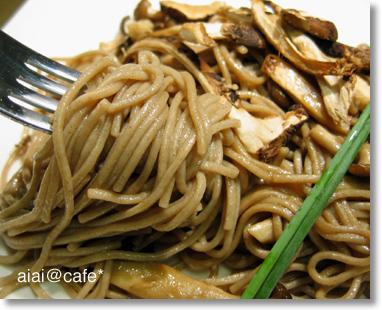 松茸の蕎麦パスタ_a0056451_13433567.jpg