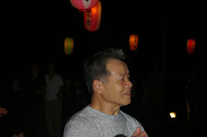 腹に響いた太鼓の音:夏の風物詩「06・円覚寺盆踊り大会」_c0014967_1011613.jpg