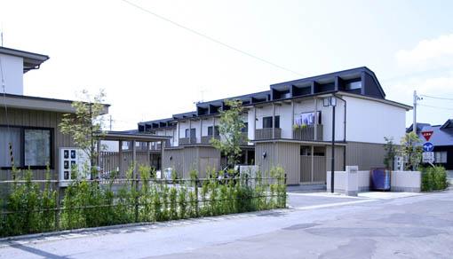 脇神県公舎(鷹巣)_e0054299_1673685.jpg