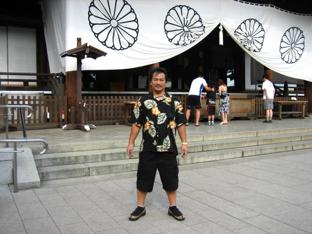 靖国神社参拝_e0022439_5135032.jpg