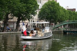 日曜昼下がりのサンマルタン運河_d0004651_163440.jpg