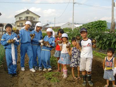 東京中学生、農村体験学習に_b0092684_7332379.jpg