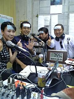 冷えピタ装着@ラジオ生放送_d0052485_12473333.jpg