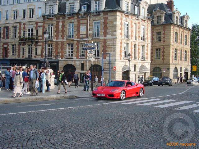 ■赤い車(ポンヌフ、パリ)・・・_a0008105_19153932.jpg