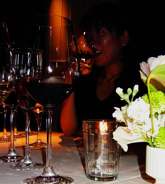 夏の夜の 宴彩る(うたげいろどる) グラスかな_a0031363_2032865.jpg