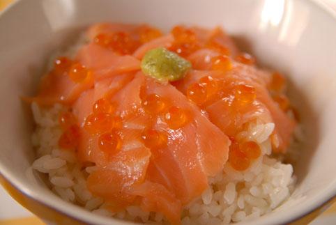 ウチで食べよう vol.17 鮭いくら丼_e0029085_6211978.jpg