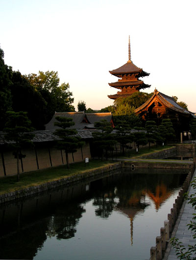 東寺の五重塔_e0048413_11222593.jpg