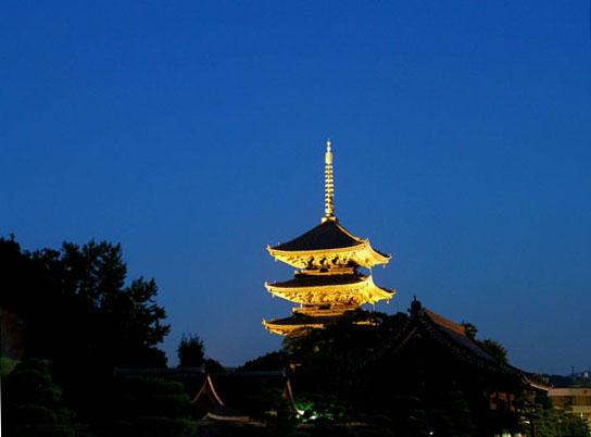 東寺の五重塔_e0048413_11235563.jpg
