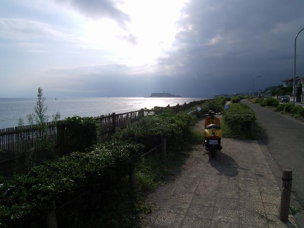 七里ヶ浜、昼下がりの風景・8月26日篇。_b0022268_20235661.jpg