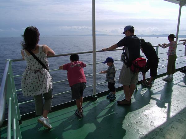 東京湾横断フェリーの旅・続き。_b0022268_21582658.jpg