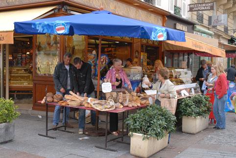 パリの商店街 vol.1 クレー通り_e0029085_9341020.jpg
