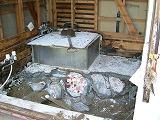 浴室改装工事:既存浴室解体_c0091593_22513275.jpg