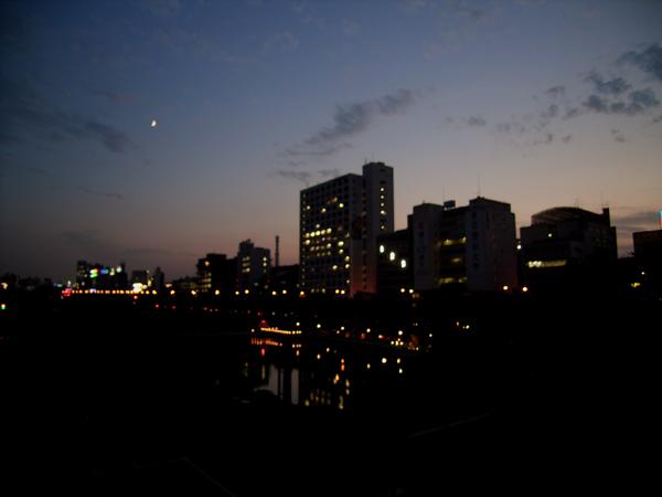 今日の東京の空。_b0022268_231565.jpg