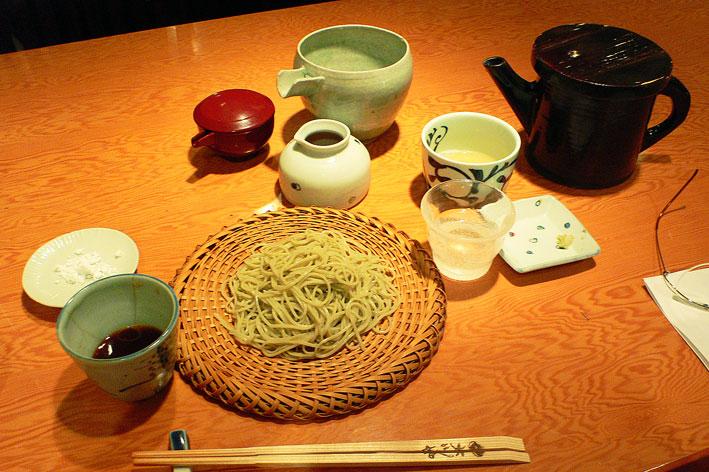 新蕎麦や緑色なし香りたち_a0031363_734659.jpg