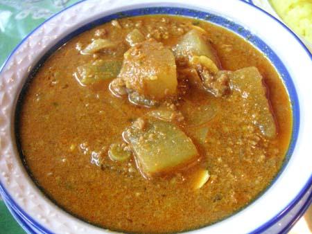 ガラムマサラ の 挽肉と冬瓜のカレー_f0053279_0344183.jpg