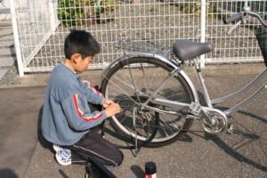 """自転車""""パンク修理博士""""_d0082356_1633820.jpg"""