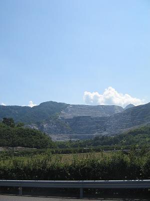 県南の夏残影(その1)・・・津久見の石灰山_c0001578_11375787.jpg