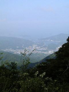 標高1000メートル余の「鬼ヶ城山」から_f0099147_16493593.jpg