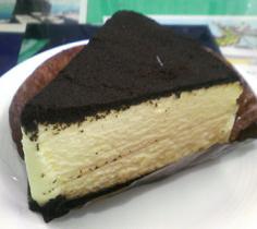 『esola』の黒いチーズケーキ