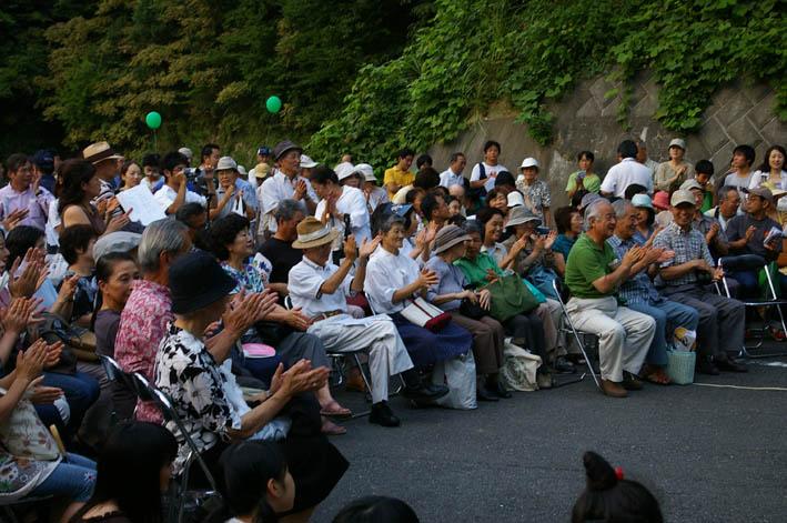 大船観音前マンション反対野外コンサートに市民300人!_c0014967_9185125.jpg